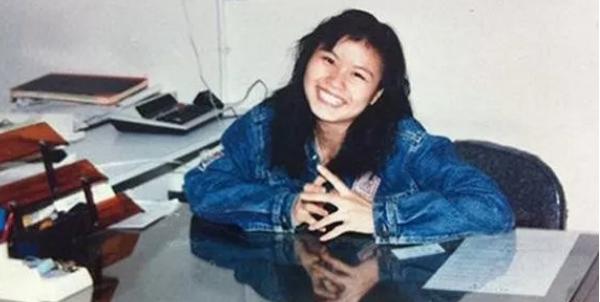 """""""女首富""""是靠实力赢来的:15岁辍学8年厂妹,如今身家660亿!"""